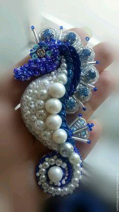Купить Брошь вышитая Морской конек - морской конек, морское украшение, морская тема, море
