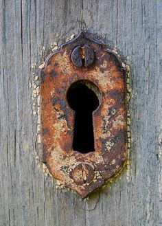 Keyhole | A rusty one... I love keys... and keyholes. | Lucie Veilleux | Flickr