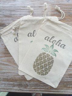 10 Pineapple Favor bags, Aloha favor bags, Hawaii favor bags, destination wedding favors, wedding welcome bag favors, tropical party favors