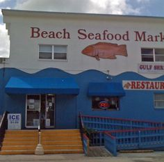 Great place to pig out on great seafood in Fort Myers, FL, near the Flort Myers beach.