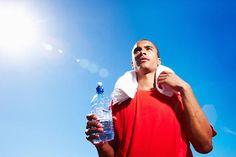Laufen im Sommer: Selbst an heißen Sommertagen kann das Laufen richtig Spaß machen. Wir zeigen Ihnen die wichtigsten Regeln für ein optimales Training in der warmen Jahreszeit.