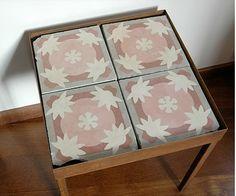Mesa con baldosa hidráulica 2