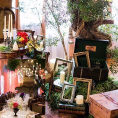 木の根元に置いてある黒っぽいトランク ハリーポッターの原作用のケースなんですが、 なんとお花屋さんが厚意で置いてくださったんです( ; ; ) フタの内側にHARRY POTTERの刻印入りプレートが♡ 21 Nov. 2015 #ウェディングレポ #結婚式レポ #卒花 #結婚式の思い出にひたる会 #結婚式 #レストランウェディング #名古屋レストランウェディング #アンティカローマ #anticaroma #rweddings #ellepupa #エルピューパ #テーマウェディング #ハリーポッターウェディング #harrypotterwedding #ツリー高砂 #木の高砂 #高砂ソファー #高砂ソファ #ソファー高砂 #ソファ高砂 #ソファ高砂装花