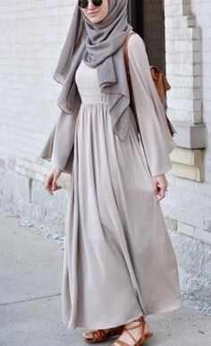Modest Fashion Top Pick for Hijab Outfit Inspiration, with pastel color. Simple and casual Hijab style. Islamic Fashion, Muslim Fashion, Modest Fashion, Fashion Dresses, Fashion Fashion, Fashion Women, Modest Dresses, Modest Outfits, Nice Dresses