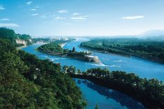 Dujiangyan Irrigation System. Sichuan - most ancient hydro system  Photo: www.china.org.cn