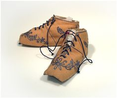 1830-1850 child's shoes: wool, silk, and leather via the Wadsworth Atheneum Collection.