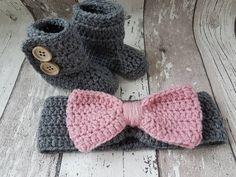 Bekijk dit items in mijn Etsy shop https://www.etsy.com/nl/listing/475028238/crochet-baby-booties-baby-uggs-baby