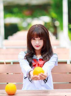 Búp bê ảnh thẻ Lê Lý Lan Hương đốn tim cộng động mạng trong bộ trang phục học sinh