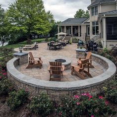 backyard patio designs From contemporary patterns to decadently old-fashioned layouts, discover the top 60 best paver patio ideas. Concrete Patios, Stone Patios, Backyard Patio Designs, Backyard Landscaping, Landscaping Ideas, Pergola Ideas, Porch Ideas, Backyard Ideas, Front Patio Ideas