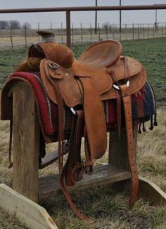 Real Swells on this, I like this one a lot! Wade Saddles, Roping Saddles, Horse Saddles, Western Horse Tack, Western Saddles, Cattle Farming, Livestock, Cattle For Sale, Saddles For Sale