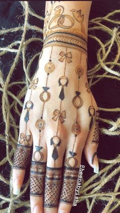 Arabic Bridal Mehndi Designs, Modern Henna Designs, Mehndi Designs For Kids, Latest Henna Designs, Engagement Mehndi Designs, Mehndi Designs Book, Stylish Mehndi Designs, Mehndi Designs For Beginners, Mehndi Design Photos