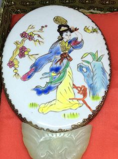 Yi Lin Collector Hand mirror Painted Porcelain in original box
