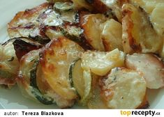 Gratinovaná cuketa s brambory Sprouts, Potato Salad, Zucchini, Food And Drink, Potatoes, Vegetables, Cooking, Ethnic Recipes, Kitchen