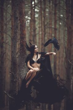 Image shared by Säsuu. Find images and videos about woman, dark and fantasy on We Heart It - the app to get lost in what you love. Dark Side, Dark Fantasy, Fantasy Art, Dark Romance, Art Magique, Foto Fashion, Fashion Shoot, Fantasy Photography, Fashion Photography