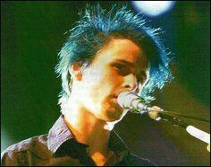 Matthew Bellamy _ MUSE (blue hair <3<3 I adore this photo)