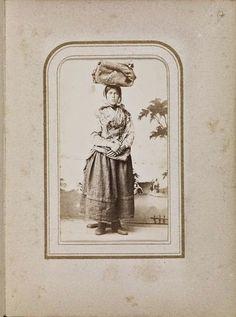 Trajes de Portugal: Álbum de fotografias de 1860