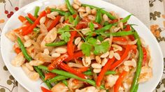 Kung Pao Chicken - Recipes - Best Recipes Ever - This dish has a spicy kick to it. However, it can be customized by adding as much or as little of the garlic chili sauce as you like. Gf Recipes, Asian Recipes, Chicken Recipes, Ethnic Recipes, Chinese Recipes, Vietnamese Recipes, Healthy Recipes, Fast Easy Meals, Best Food Ever