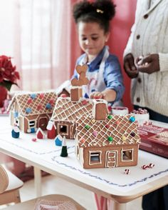 What you need to know about gingerbread baking - IKEA Ikea Kids Chairs, Ikea Kids Desk, Ikea Kids Bedroom, Ikea Kids Playroom, Ikea Kids Shelves, Ikea Kids Wardrobe, Christmas And New Year, Christmas Holidays, Baking Set