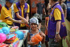 Manila Divisoria #LionsClub (Philippines) gave toys to children in need