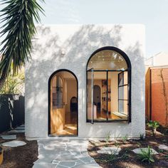 Architect Peter Marino Designs an Art-Filled Home for Contemporary Luxury in Miami's Biscayne Bay – Home Design Big Design, The Design Files, Cafe Shop Design, House Design, Architecture Renovation, Home Architecture Design, Arch Architecture, Mysore Palace, Spanish Style