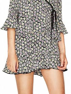 Polychrome High Waist Daisy Print Ruffle hem Mini Skirt