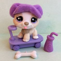 Littlest Pet Shop White & Gray Husky #1817 w/Purple Eyes, Hat & Accessories #Hasbro
