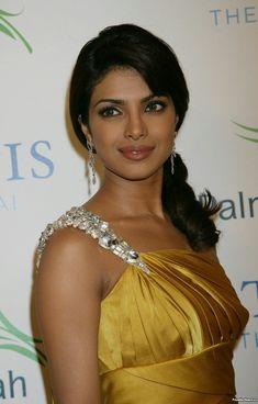 Priyanka Chopra Images, Priyanka Chopra Hot, Beautiful Girl Photo, Beautiful Girl Indian, Miss World 2000, Girl Photos, Hd Photos, Beautiful Bollywood Actress, Indian Beauty