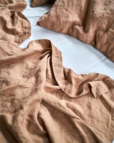 Linen Bed Cover - Desert Rose– Two Dawson Dry Desert, Desert Rose, Natural Life, Natural Living, Luxe Decor, Flat Sheets, Bedroom Inspiration, Bed Covers, Country Living