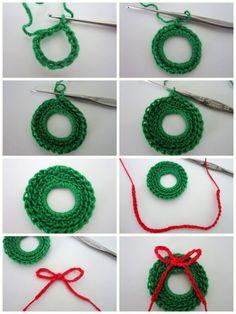 Lacy Crochet: Mini Corona de Navidad gratuito Patrón
