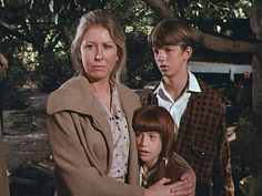 Olivia, Elizabeth and Jim-Bob
