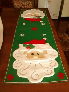 Christmas Gifts To Make, Christmas Time, Christmas Crafts, Christmas Cushions, Tablerunners, Quilted Table Runners, Felt Art, Table Covers, Fifa