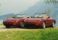 Like Twins: 2 Alfa Romeo Spider Maserati, Ferrari, Alfa Romeo Spider, Alfa Romeo Cars, Spiders, Classic Cars, Twins, Motorcycles, Scene