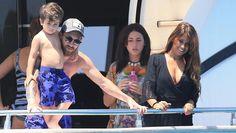 Leo se baña con su hijo durante una salida familiar en yate y recibe todo el cariño de Antonella Roccuzzo