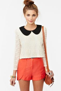 This Alexa Lace Top of #NastyGal is just too cute for words.  I love the #Peterpan#Collar