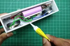 DIY Bluetooth Speaker With Powerbank Diy Bluetooth Speaker, Electronic Circuit Projects, Blue Tooth, Montages, Diy Electronics, Record Player, Arduino, Cnc, Physics