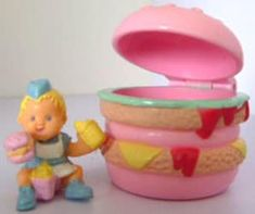Vintage Toys 20 Toys Girls Have Legit Not Seen Since Childhood - These are the deep cuts, folks. 90s Toys, Retro Toys, Vintage Toys, Vintage Stuff, 90s Childhood, Childhood Memories, Toy Story Cakes, 90s Girl, Fisher Price Toys