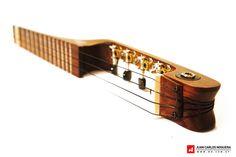 Travel Ukulele http://www.luthierforum.com/index.php?/topic/12157-oli-the-electric-travel-ukulele/