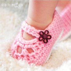 Free simple crochet mary jane booties   Crochet: Mary Jane Shoes - Crochet Pattern - Baby Booties - Slippers ...