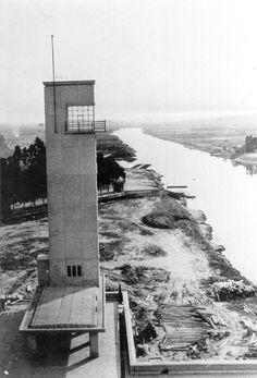 Registro da construção da Ponte das Bandeiras, na atual Marginal Tietê, em 1940.