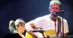 Dierks Bentley was performing his touching song, 'I'm Thinking Of You' when he had his daughter join him on stage. Not only is this the cutest duet ever, but Evie is who the song was written for! What a wonderful moment caught on camera! Thinking Of You Song, Im Thinking About You, Dierks Bentley, 3 Kids, Hit Songs, Cute Gif, Evie, Music Videos, Stage