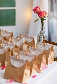 image of DIY Vintage Wedding Favors ♥ Handmade Vintage Gift Bag Handmade Wedding Favours, Vintage Wedding Favors, Rustic Wedding, Wedding Ideas, Gift Wedding, Trendy Wedding, Elegant Wedding, Wedding Sweets, Wedding Candy