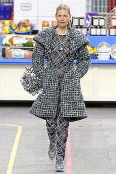 Chanel RTW Fall 2014 - paris fashion week