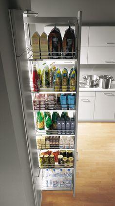 Sigdal kjøkken - høyskap m uttrekk