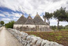I 10 sentieri più spettacolari da fare a piedi in Italia. Due di questi sono in Puglia. #WeAreInPuglia