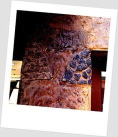 Helsinki blogi: Pysähdyin ja näin seinästä revityn pirun Tehtaankadulla