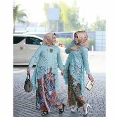 Batik Kebaya, Batik Dress, Batik Fashion, Fashion Sewing, Muslim Fashion, Hijab Fashion, Kebaya Moden, Modern Kebaya, Indonesian Kebaya