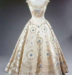 omgthatdress:  Dress Worn by Queen Elizabeth II 1950s
