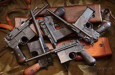 Broom Handle, German Soldiers Ww2, Gundam Wallpapers, Firearms, Shotguns, Cool Guns, Weapons Guns, Revolver, Hand Guns