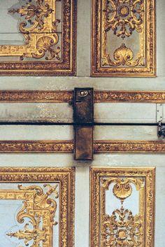 × Incredible details! / #details #art #architecture