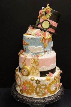 A Steampunk cake from The Sweet Life Bakery reflecting some lovely Victorian color